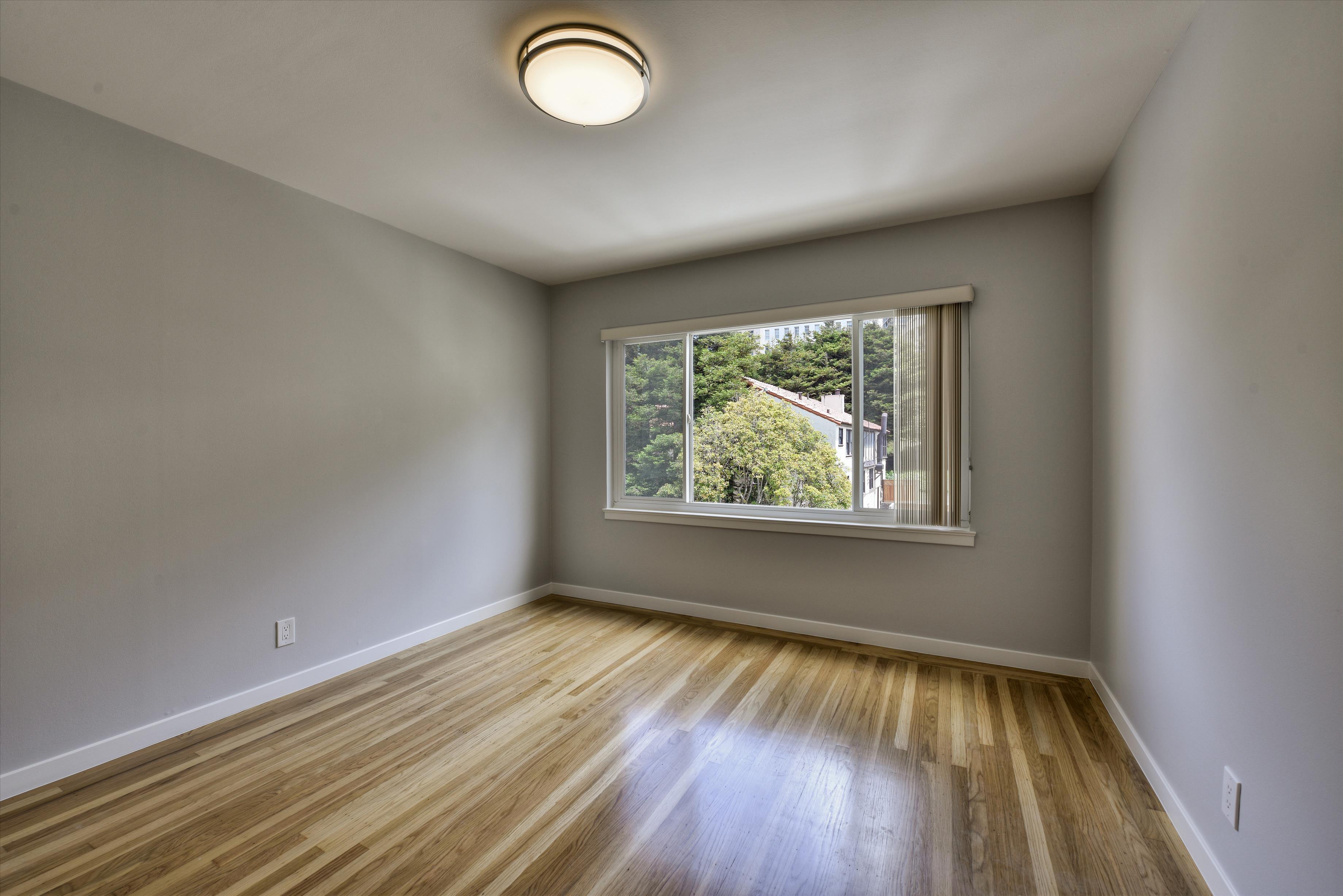 Listing 6150 : 1703  Powell  St, San Francisco, CA, 94133  (photo 10)
