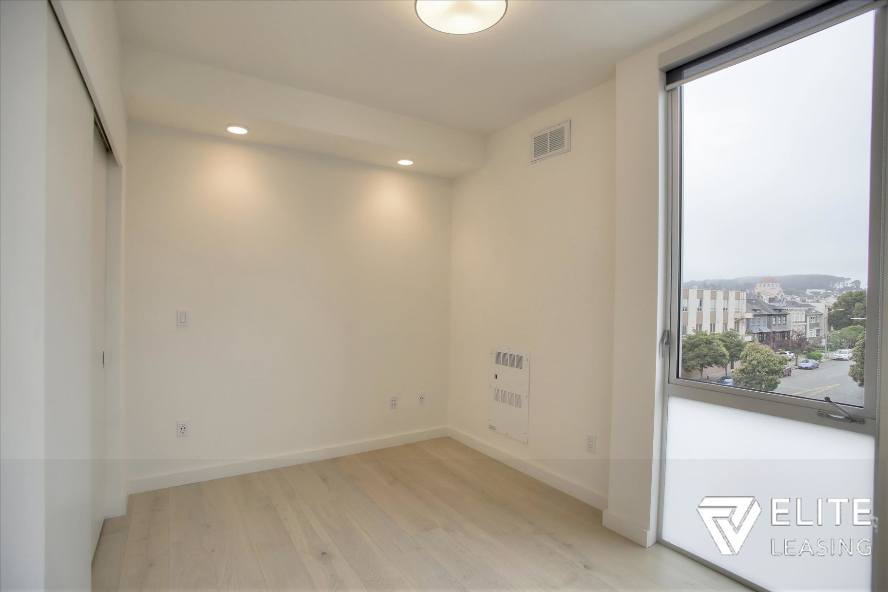 Listing 5372 : 1  Stanyan  Street #33, San Francisco, CA, 94118  (photo 12)