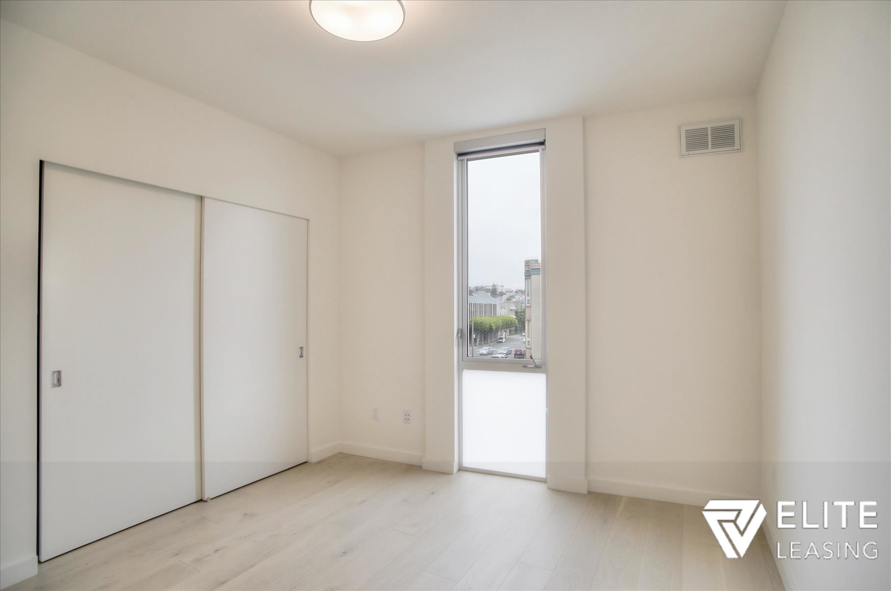 Listing 5372 : 1  Stanyan  Street #33, San Francisco, CA, 94118  (photo 14)