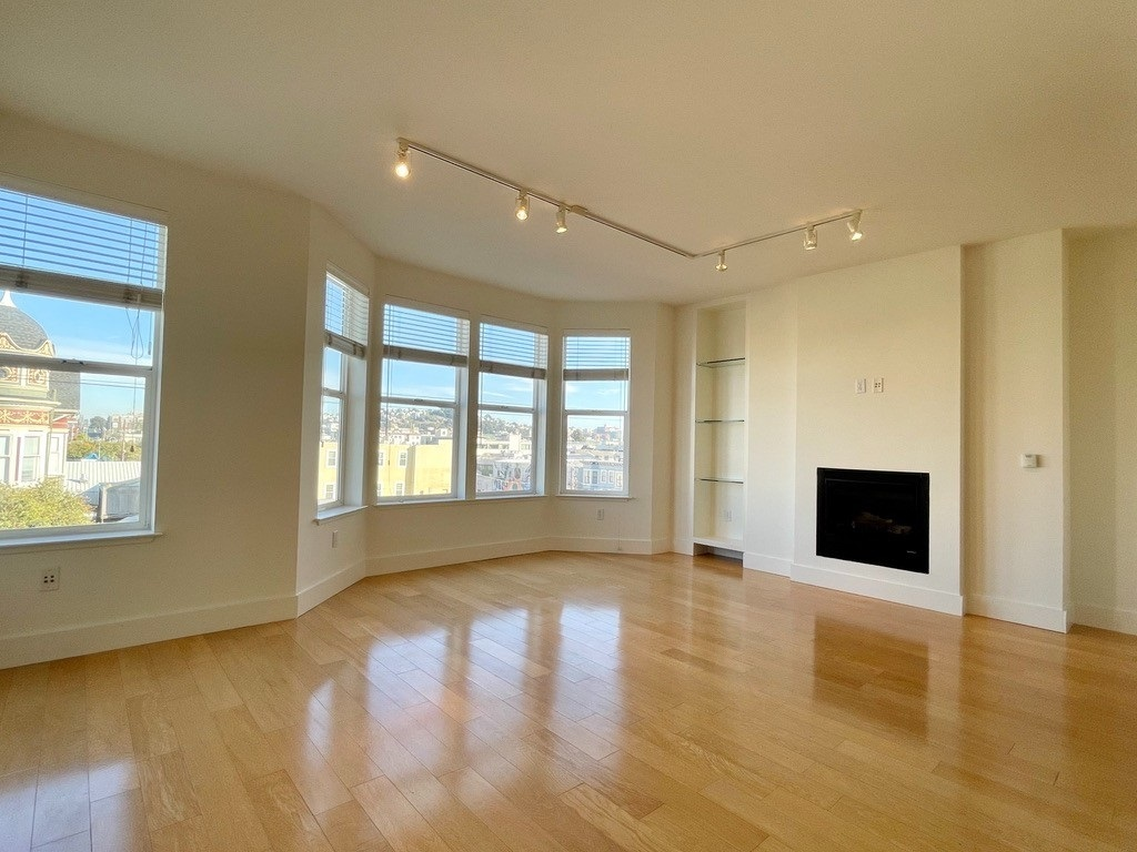 Listing 6016 : 124  Caselli Avenue, San Francisco, CA, 94114  (photo 1)