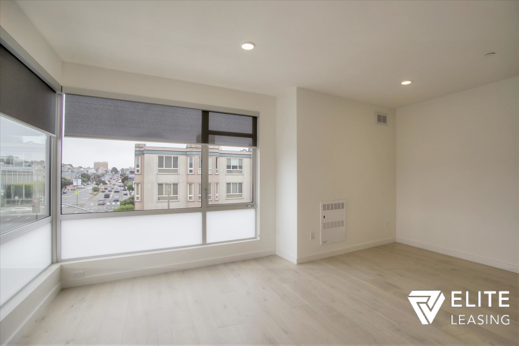 Listing 5372 : 1  Stanyan  Street #33, San Francisco, CA, 94118  (photo 3)
