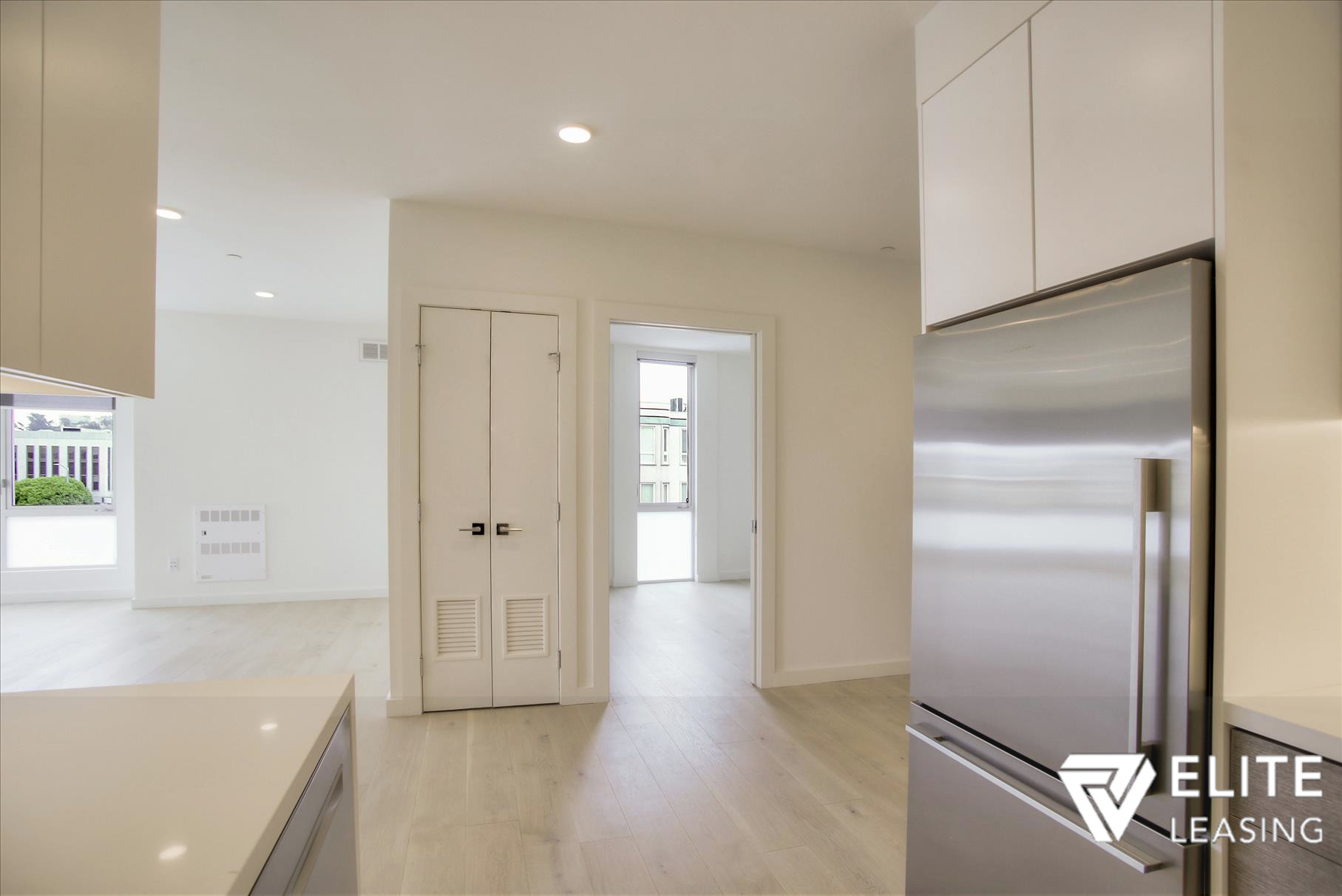 Listing 5372 : 1  Stanyan  Street #33, San Francisco, CA, 94118  (photo 6)