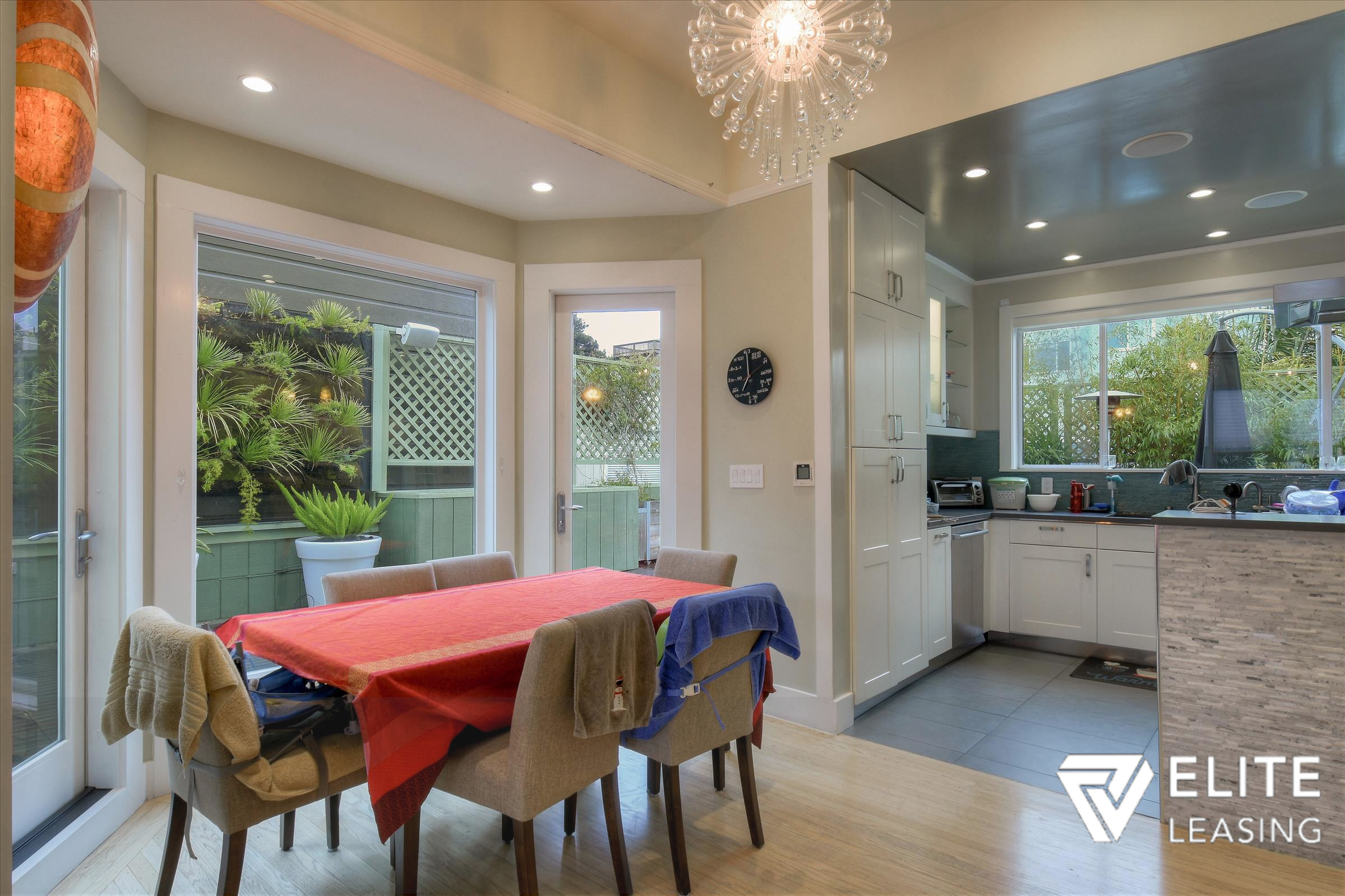 Listing 5375 : 269  Summit Way, San Francisco, CA, 94132  (photo 8)