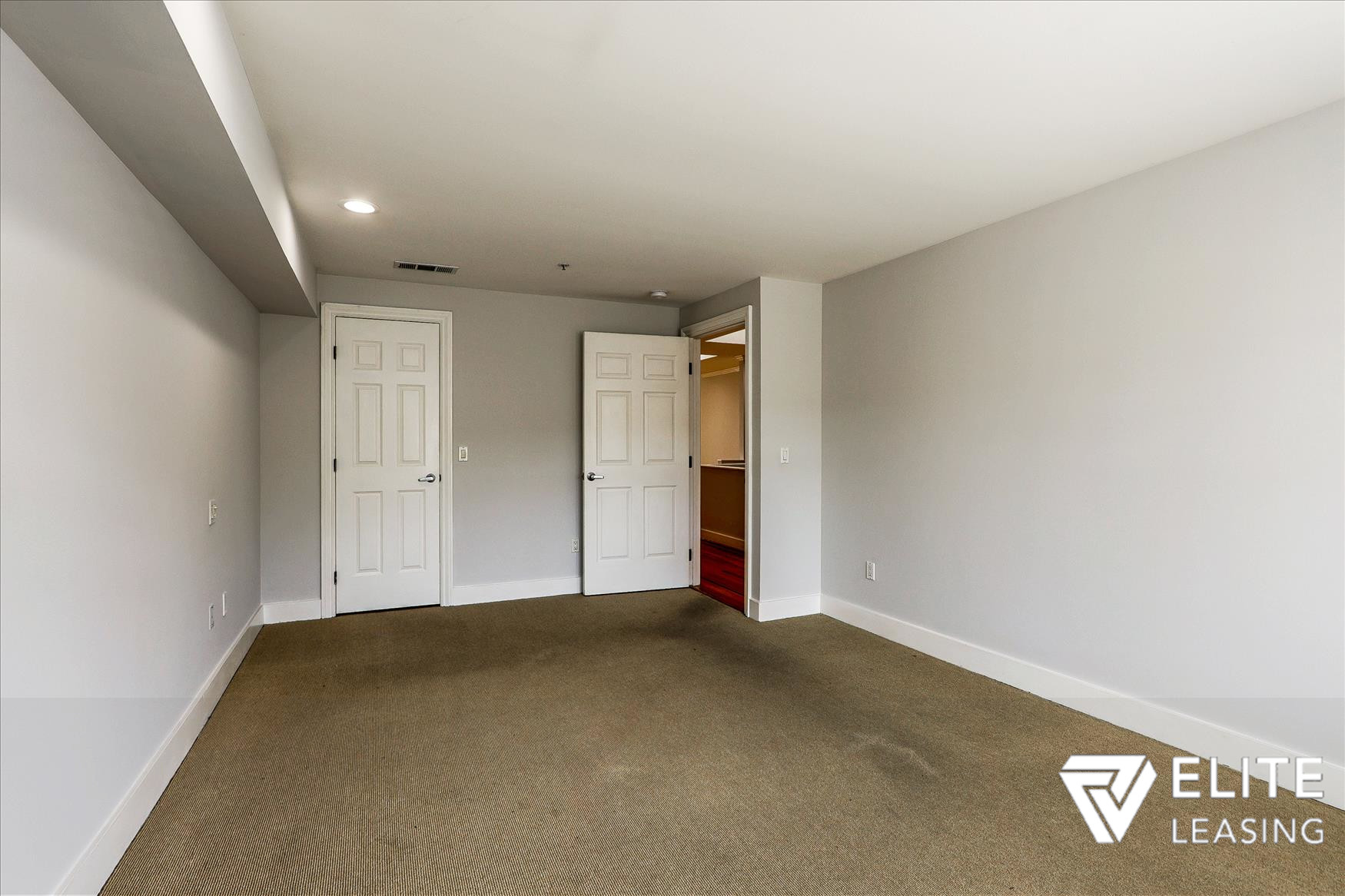 Listing 5116 : 1438  Leavenworth Street, San Francisco, CA, 94109  (photo 11)