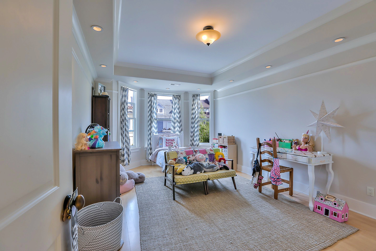 Listing 6408 : 2235  Octavia St, San Francisco, CA, 94109  (photo 13)