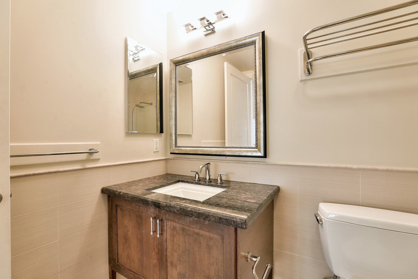 Listing 6229 : 1022  Stanyan St, San Francisco, CA, 94117  (photo 16)