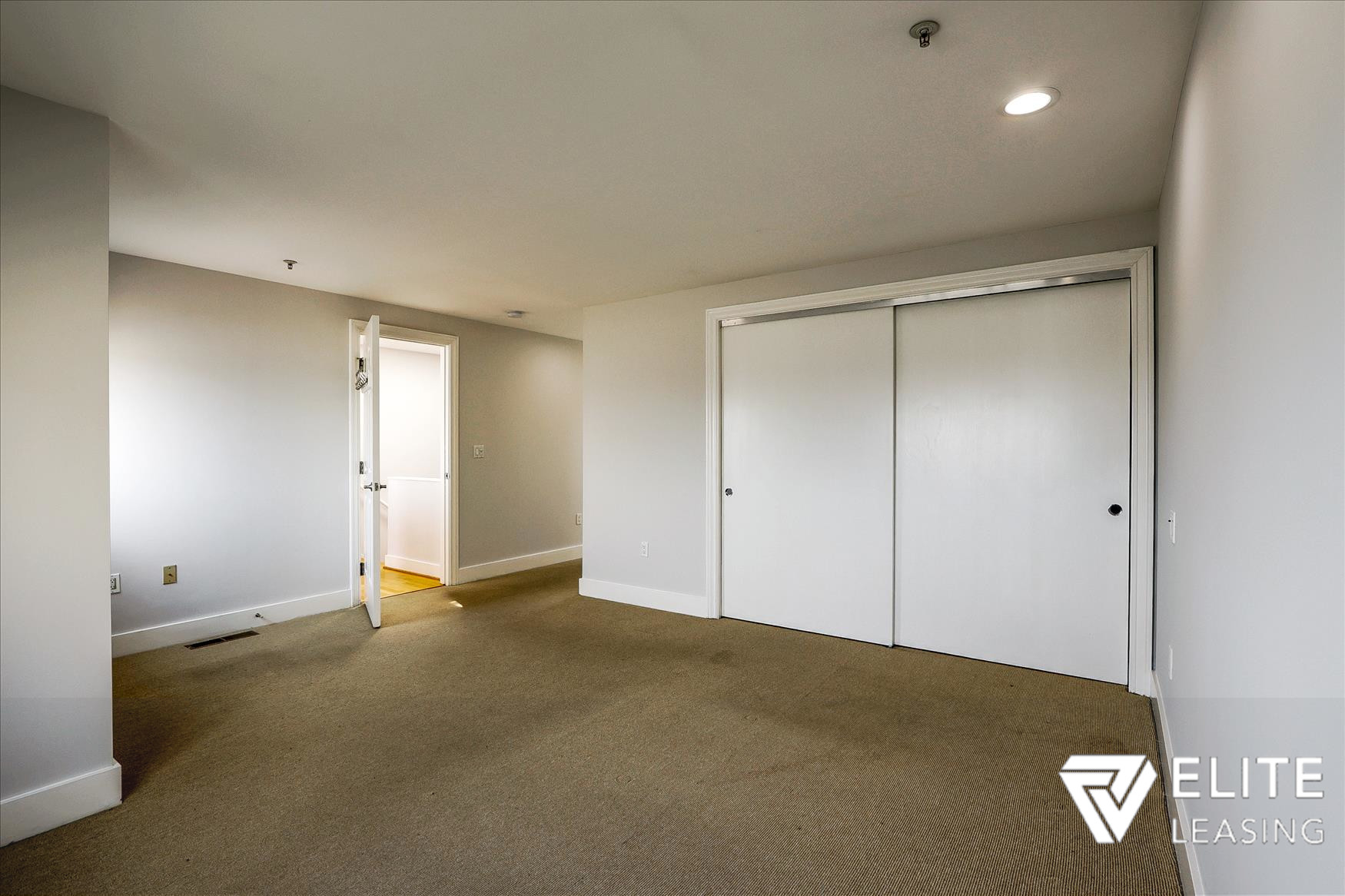 Listing 4905 : 1  Stanyan Street #21, San Francisco, CA, 94118  (photo 15)