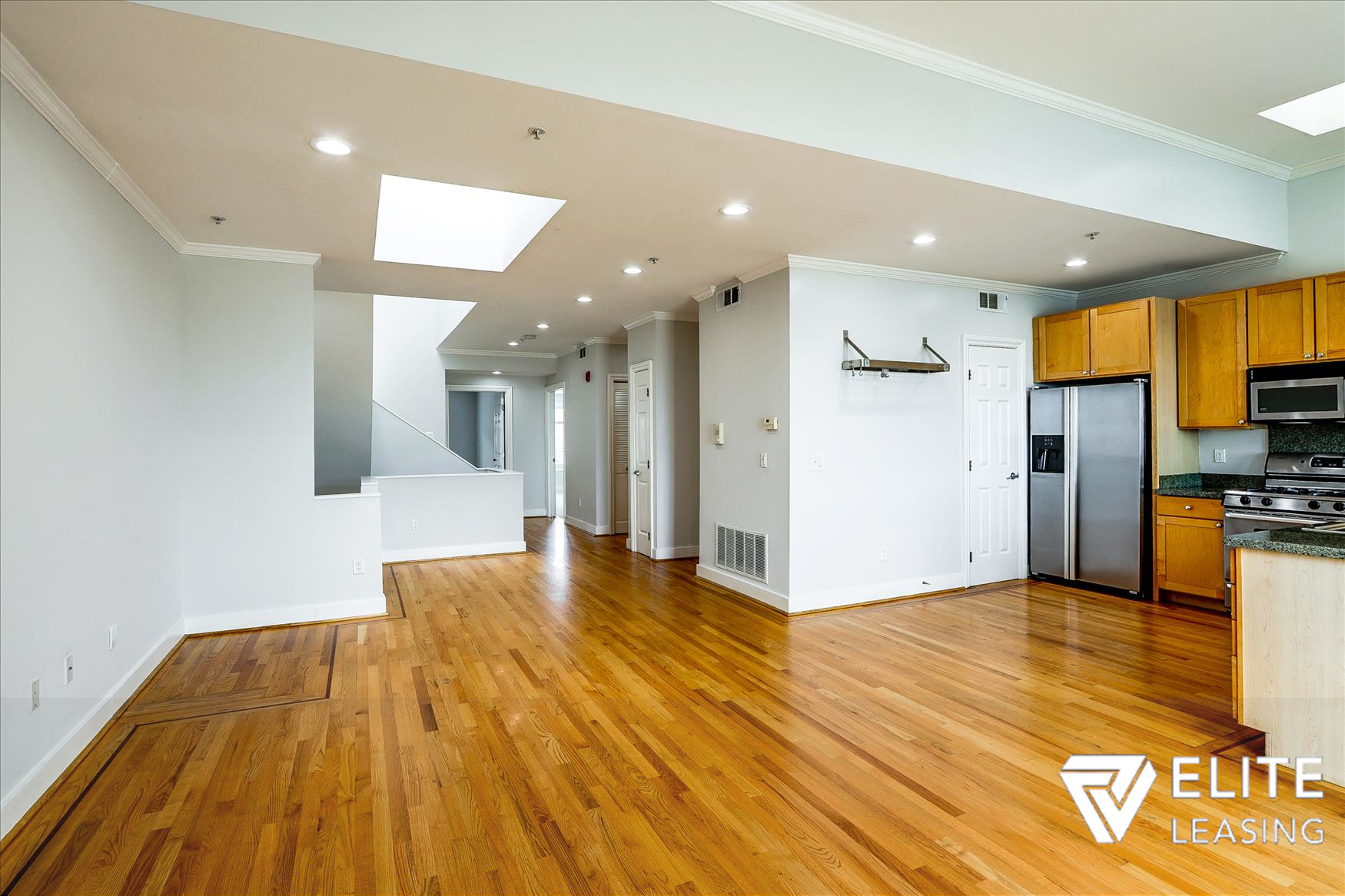 Listing 5116 : 1438  Leavenworth Street, San Francisco, CA, 94109  (photo 4)