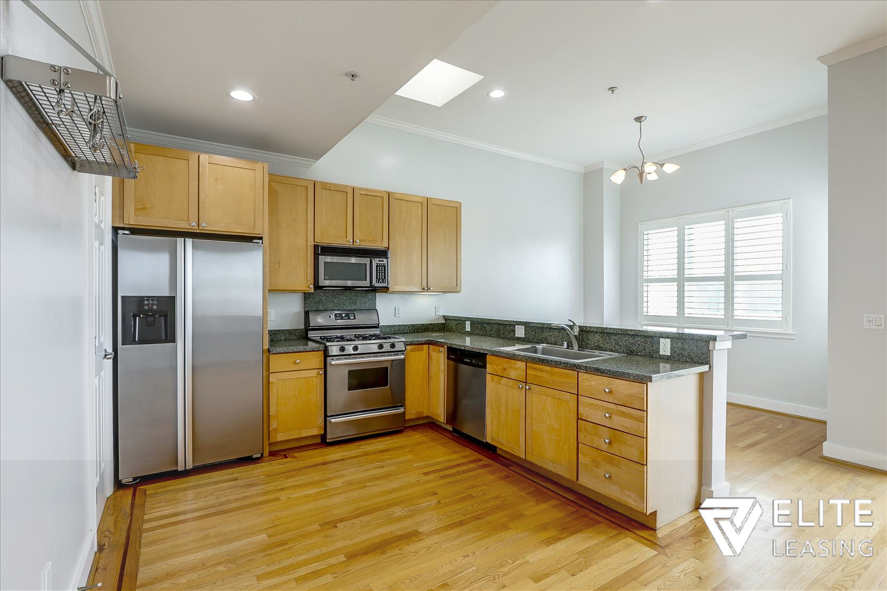 Listing 5116 : 1438  Leavenworth Street, San Francisco, CA, 94109  (photo 5)
