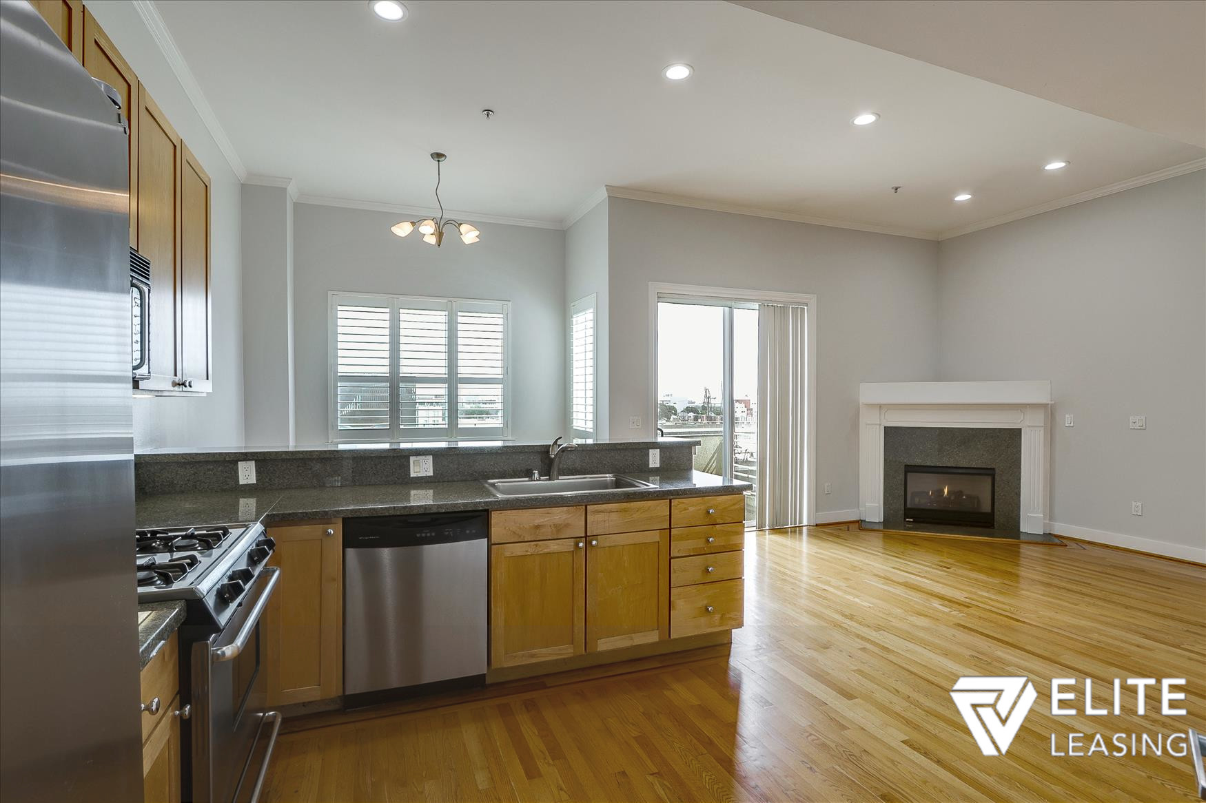 Listing 5116 : 1438  Leavenworth Street, San Francisco, CA, 94109  (photo 6)