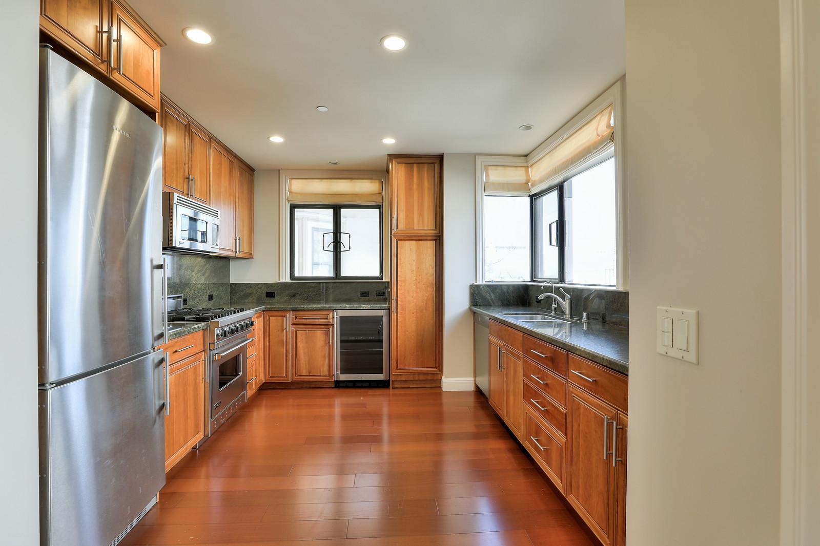 Listing 6475 : 824  Hyde St #403, San Francisco, CA, 94109  (photo 6)