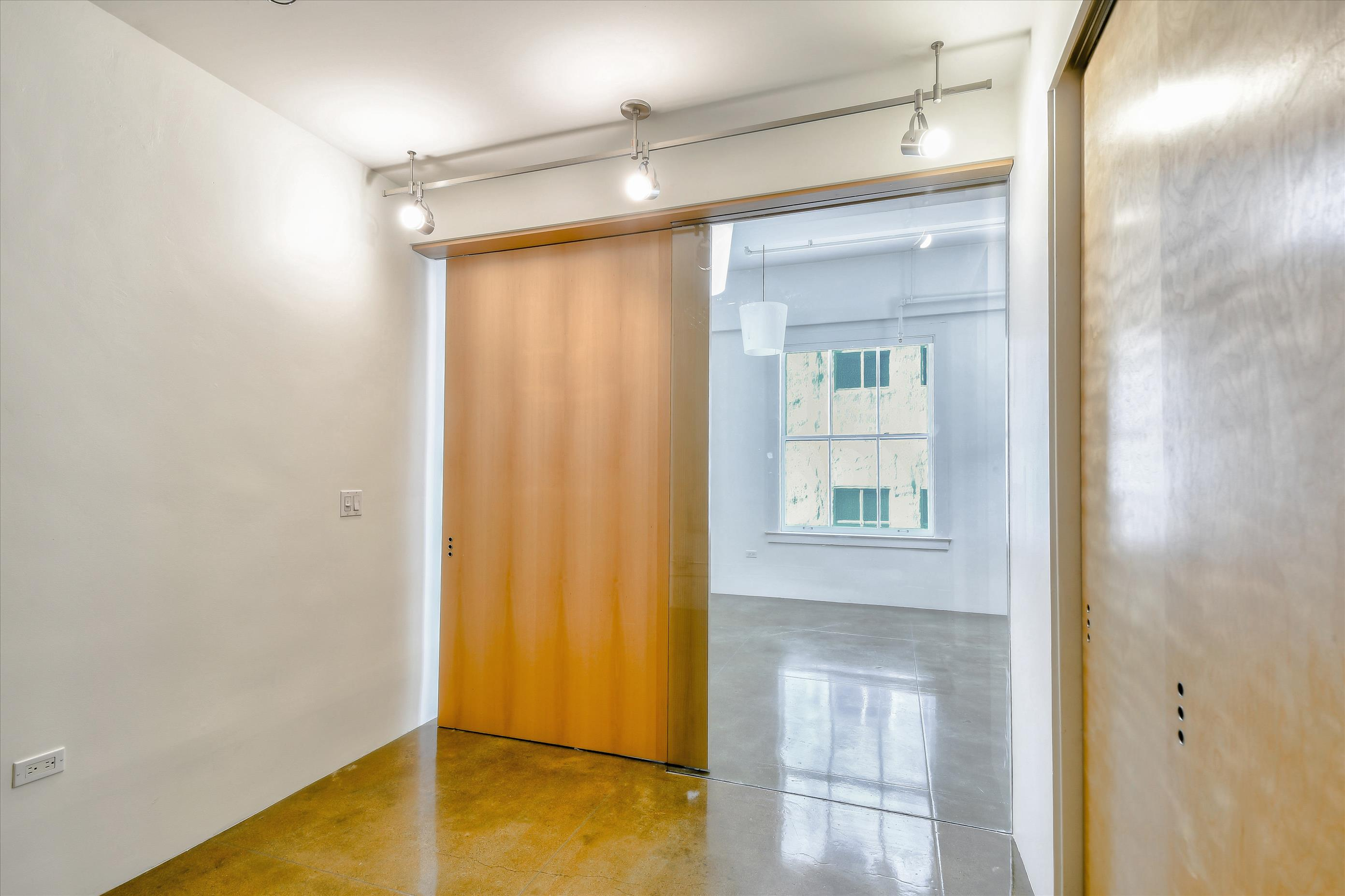 Listing 6408 : 2235  Octavia St, San Francisco, CA, 94109  (photo 9)