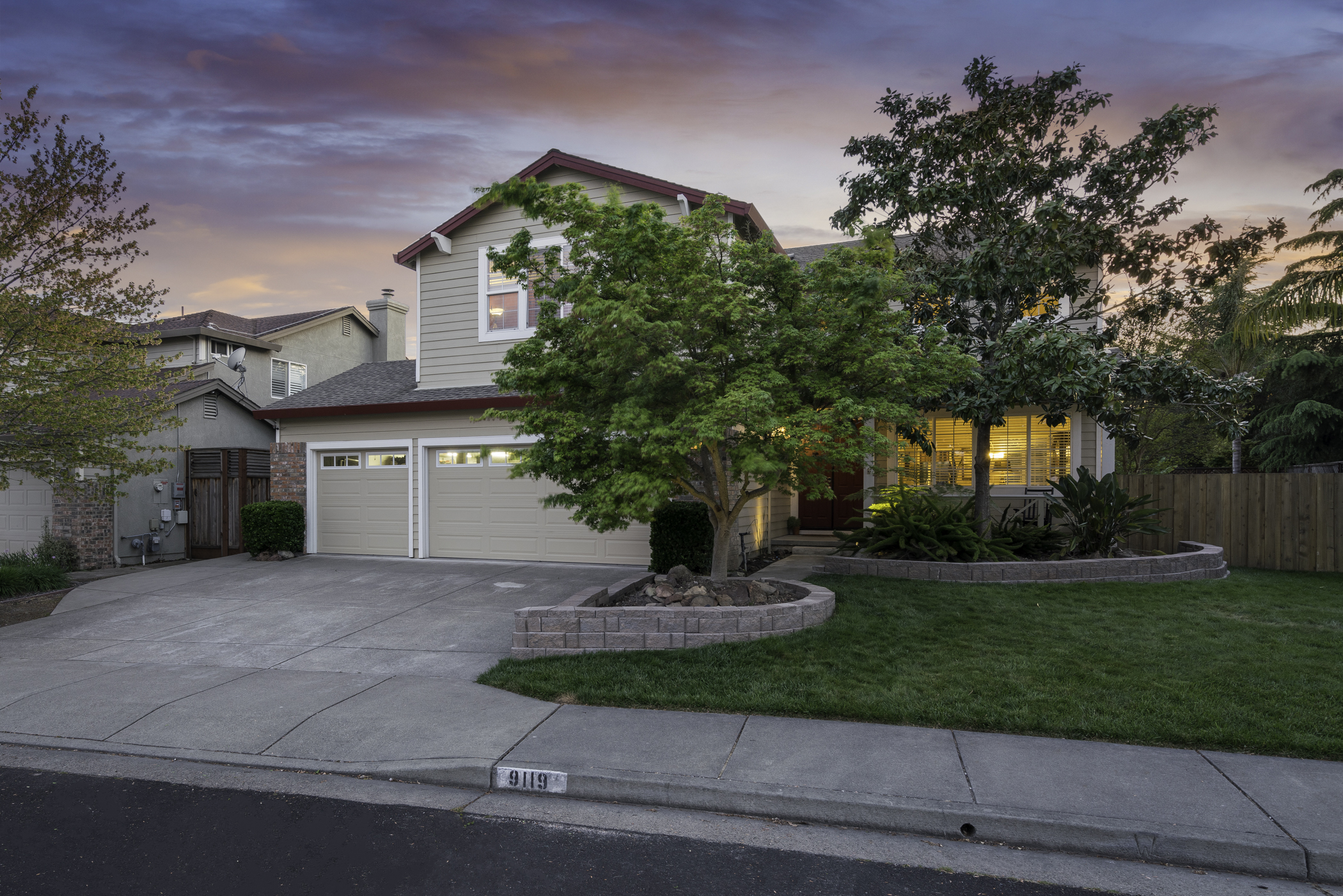 Listing 5298 : 9119  Saint James Pl., Windsor, CA, 95492  (photo 1)