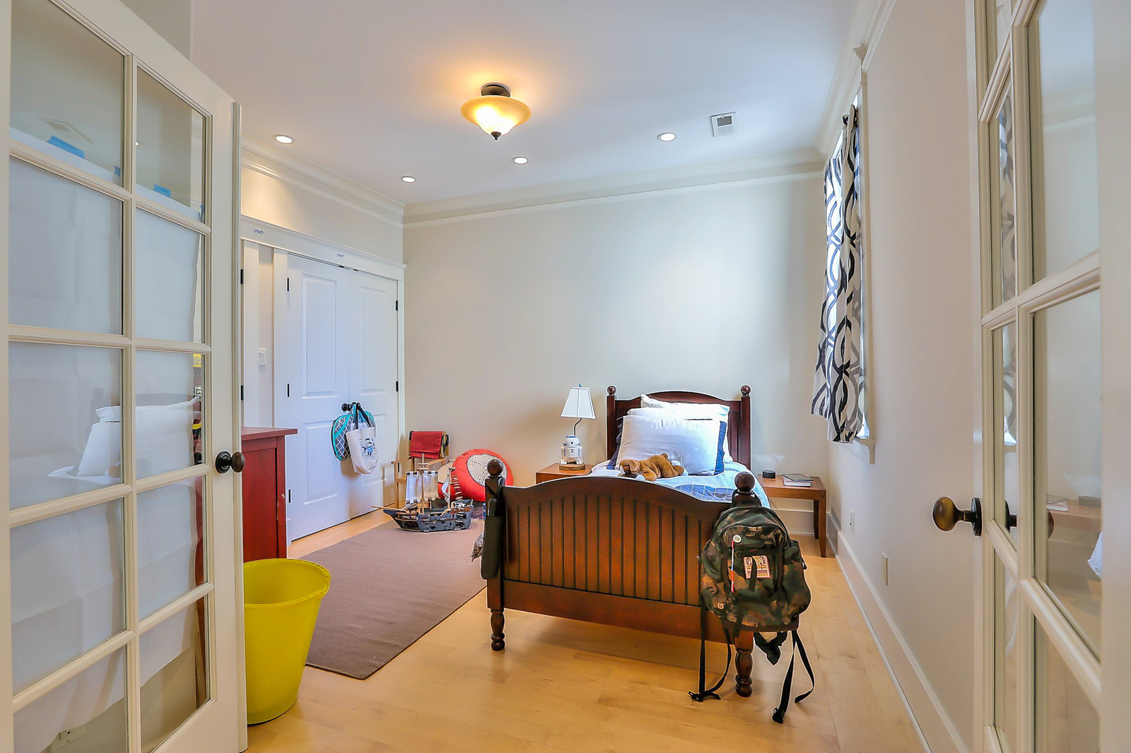 Listing 6066 : 16  Montezuma St, San Francisco, CA, 94110  (photo 16)